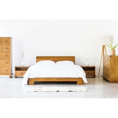Kobe Platform Bed Size: California King