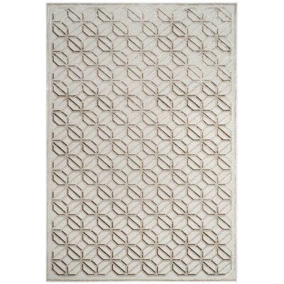 Ezzell Ivory Area Rug Rug Size: Rectangle 4 X 57