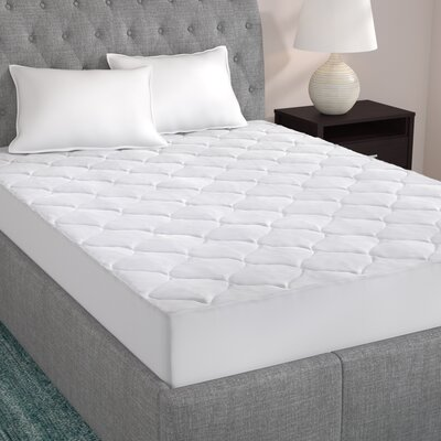 14 Polyester Mattress Pad Size: Twin