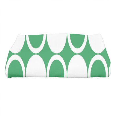 Hassett Small Mod Circles Geometric Print Bath Towel Color: Green