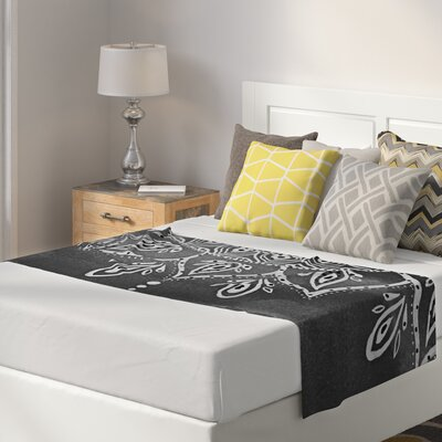 Li Zamperini Mandala Abstract Bed Runner Color: White/Gray
