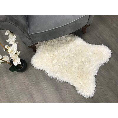 Costantino High Pile Design Ivory Area Rug