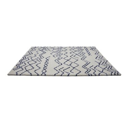 Cedar Shaggy Ivory/Navy Area Rug Rug Size: Rectangle 710 x 107