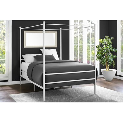 Maderia Canopy Bed Size: Queen