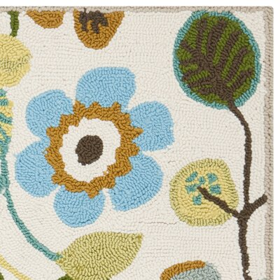 Aldridge Hand-Hooked Indoor/Outdoor Ivory Area Rug Rug Size: Rectangle 26 x 4