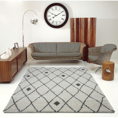 Fallsburg Shaggy Trellis Gray Area Rug Rug Size: Rectangle 710 x 107
