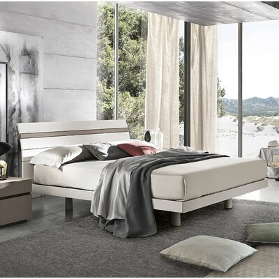 Joker Platform Bed Size: Queen, Color: Silver