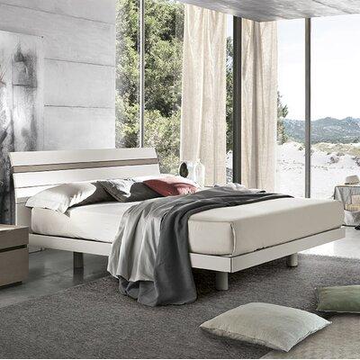 Joker Platform Bed Size: King, Color: White