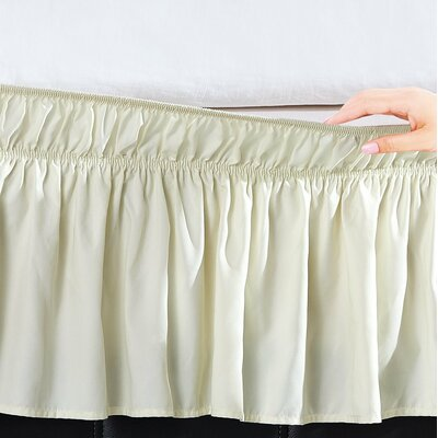 Undercliff Easy Wrap Elastic Ruffled Bed Skirt Size: Queen/King, Color: Ivory