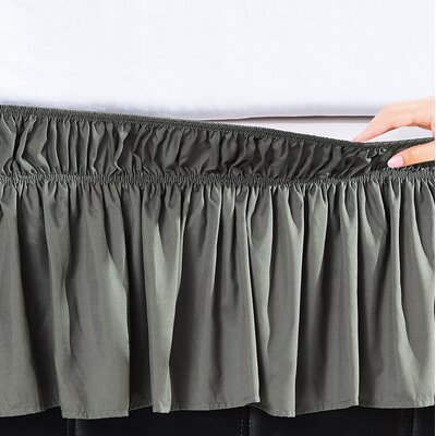 Undercliff Easy Wrap Elastic Ruffled Bed Skirt Size: Queen/King, Color: Silver