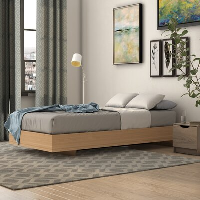 Coalmont Platform Bed Size: Queen