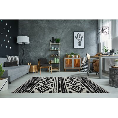 Lindgren Ivory/Dark Gray Trellis Area Rug Rug Size: Rectangle 65 x 95