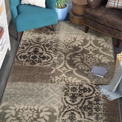 Maggie Ivory/Gray Area Rug Rug Size: 5 x 8