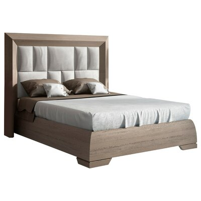 Berkley Panel Bed Size: King