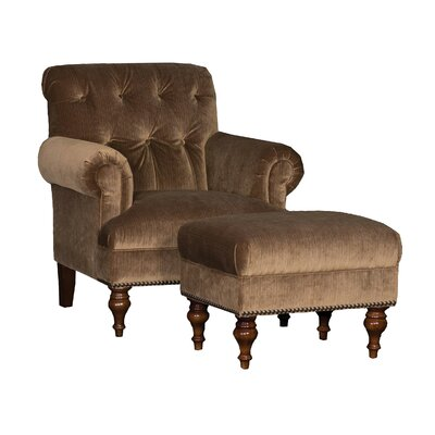 Cuadrado Club Chair and Ottoman