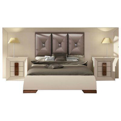 Konieczny Special Headboard Queen Panel 4 Piece Bedroom Set