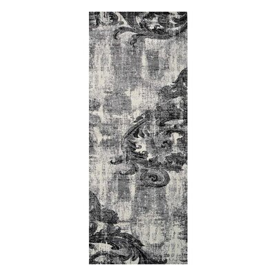 Tullos Silver/Gray Area Rug Rug Size: Runner�3'2