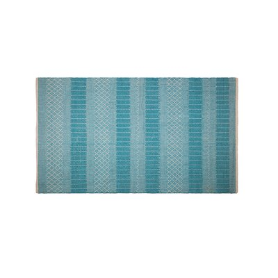Chapdelaine Hand-Woven Cotton Sky Blue Rug Rug Size: Rectangle 5 x 8
