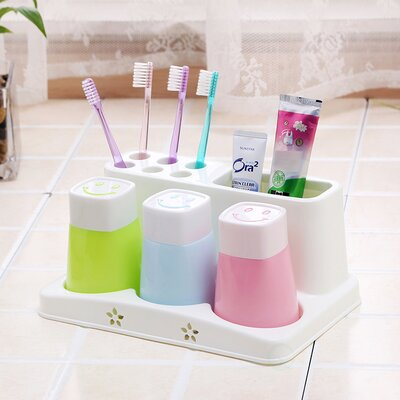 Family Toothbrush Holder and Toothpaste with 3 Cups 86BE58A7C1EA4A46ADB84C060B67C278
