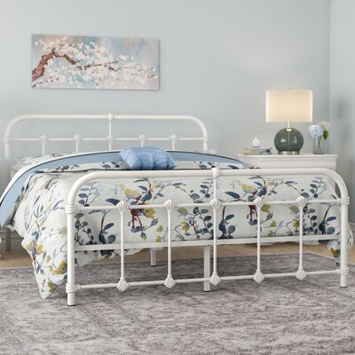 Orchard Lane Platform Bed Size: Queen, Color: White