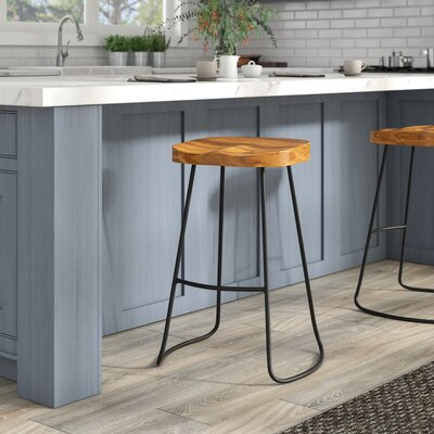 Lulu 30 Bar Stool