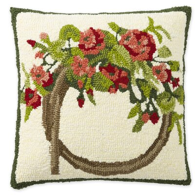 Geranium Wreath Hooked Indoor/Outdoor Throw Pillow