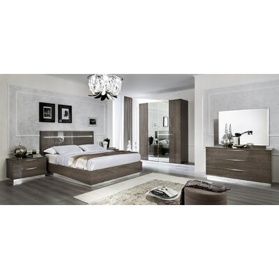 Asberry Panel Bed Size: Queen