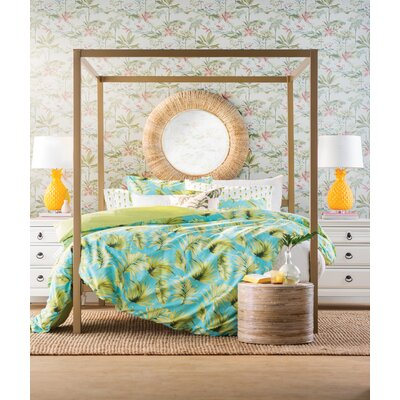 Stanley Canopy Bed Size: Queen
