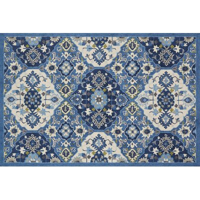Holliman Hand-Hooked Blue/Ivory Area Rug Rug Size: Rectangle 76 x 96