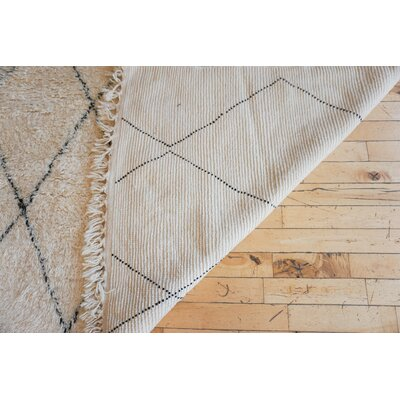 One-of-a-kind Lakish Beni Ourain Hand-Woven Wool Beige/Black Area Rug
