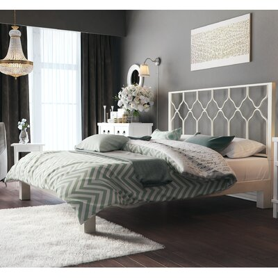Weyer Platform Bed Size: King, Color: Brushed White
