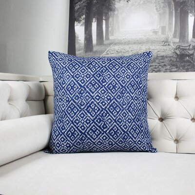Findley Diamond Indoor/Outdoor Throw Pillow Color: Blue