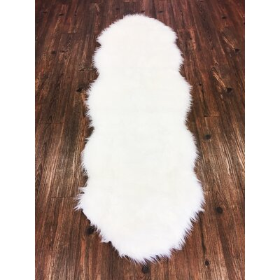 Metinaro Faux Fur White Area Rug