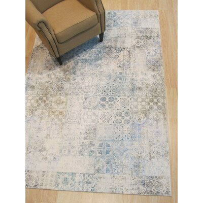 Phares Mosaic Distressed Gray/White Area Rug Rug Size: Rectangle 44 x 63