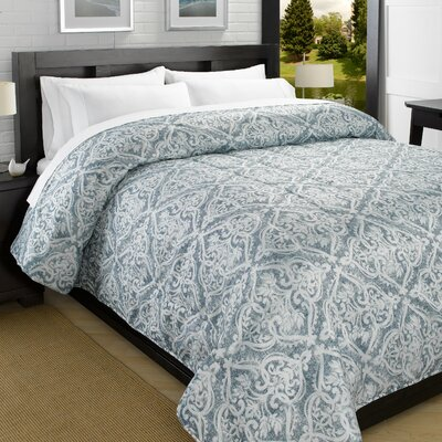 Printed Lightweight Down Alternative Comforter Size: King, Color: Blue