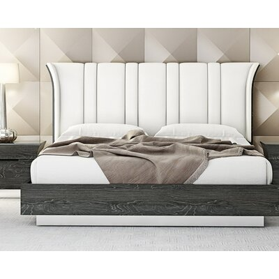 Sifuentes Upholstered Platform Bed Size: Queen