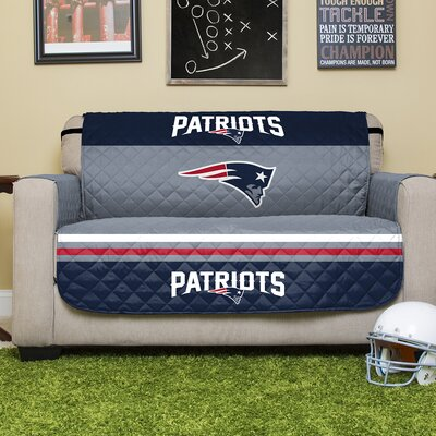 NFL Loveseat Slipcover NFL Team: New England Patriots