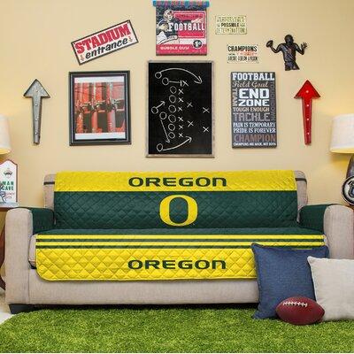 NCAA Sofa Slipcover NCAA Team: University Of Oregon