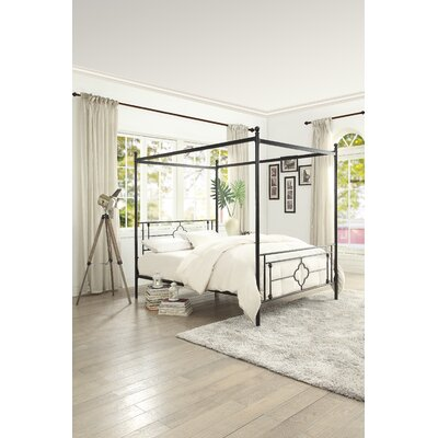 Woodson Canopy Bed Size: Twin