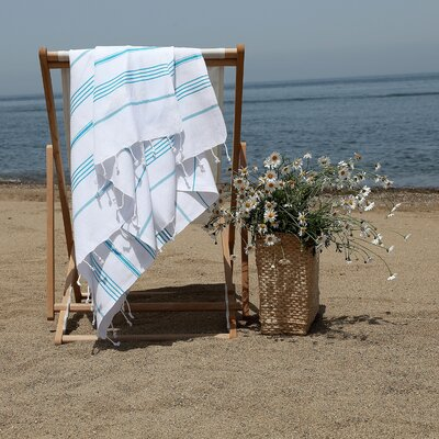 Prado Glittery Starfish Pestemal Beach Towel Color: White/Turquoise