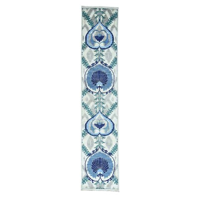 Crafts Hand-Knotted Ivory Area Rug