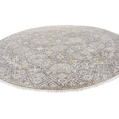 Oidized Mughal Inspi Medallions Hand-Knotted Silk Ivory Area Rug
