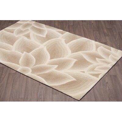 Quinonez Flower Hand-Woven Beige Wool Area Rug Rug Size: Rectangle 5 x 8