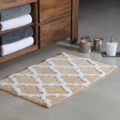 Otisville Quatrefoil Tufted Bath Rug Color: Beige/Ivory, Size: Small