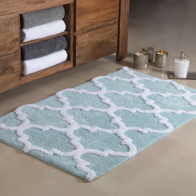 Otisville Quatrefoil Tufted Bath Rug Color: Arctic/White, Size: Large