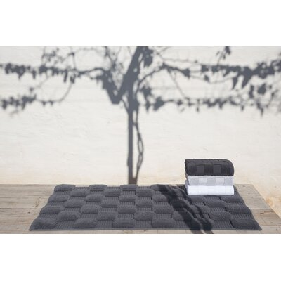 Hizer Chess Bath Sheet Color: Linen