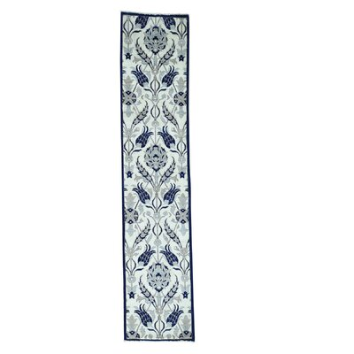 Crafts William Morris Hand-Knotted Ivory Area Rug