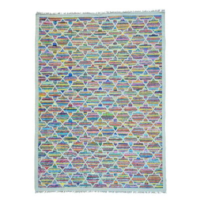 Geometric Kilim Hand-Knotted White/Pink Area Rug