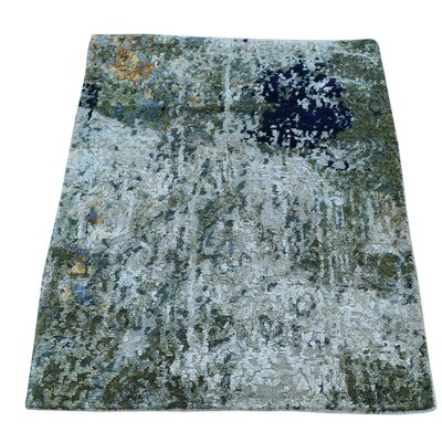 Hi and Lo Abstract Hand-Knotted Silk Light Green/Off White Area Rug