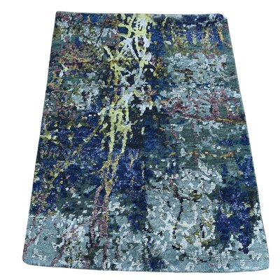 Hi and Lo Abstract Hand-Knotted Silk Blue/Light Gray Area Rug